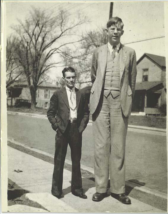 Gigantism Com Rober Wadlow The Tallest Man Who Ever Lived